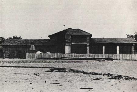 La Façade avant 1890