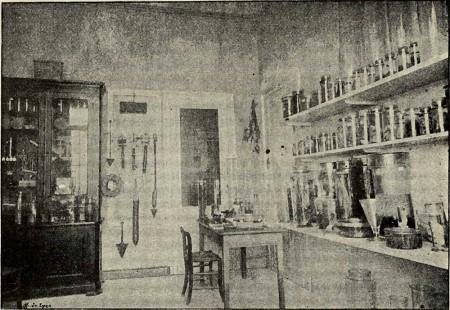 Un des laboratoires de la Société Scientifique